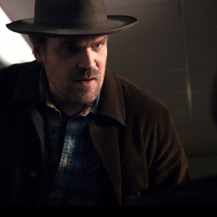 Hopper-stranger-things